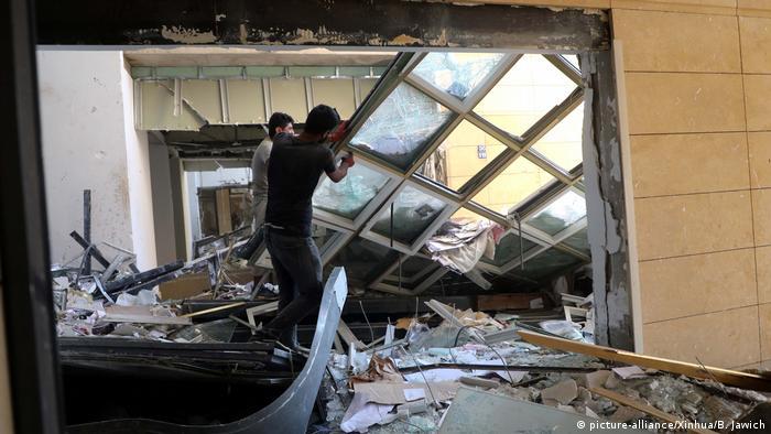 Libanon Aufräumarbeiten nach der Explosion in Beirut