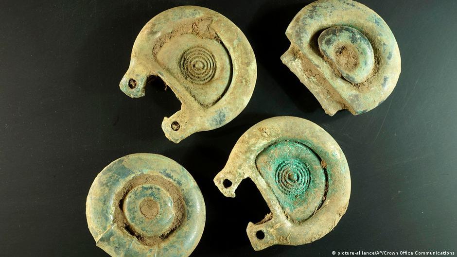 Metal detectorist finds rare Bronze Age cache in Scotland