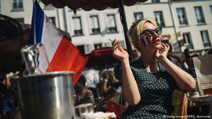 Symbolbild I Paris I Café I Parisienne
