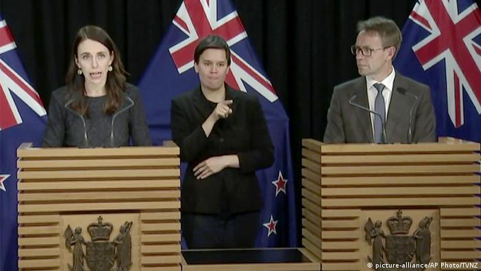 Neuseeland Coronavirus, PK Jacinda Ardern (picture-alliance/AP Photo/TVNZ)