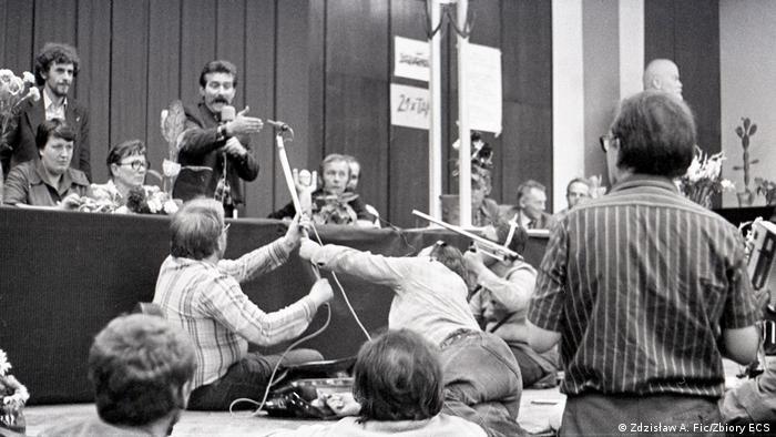 W sierpniu 1980 Polska jest w centrum zainteresowania światowych mediów