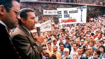 Ο Λεχ Βαλέσα, ο θρυλικός ηγέτης της Αλληλεγγύης