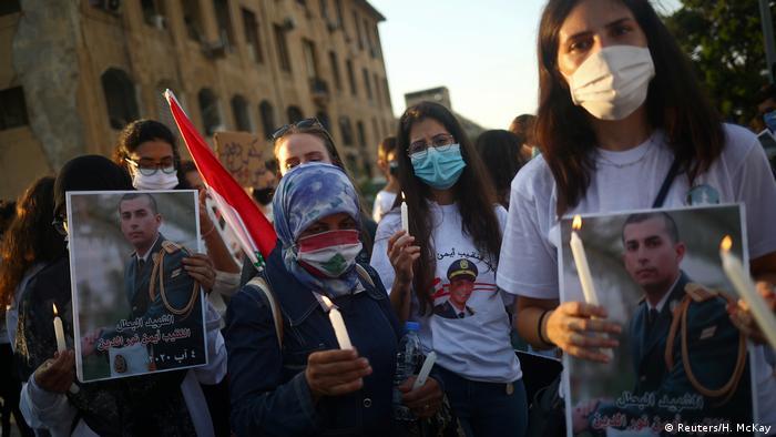 Libanon Mahnwache für Opfer der Explosion in Beirut