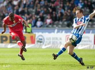 Cacau marcou 13 gols na última Bundesliga