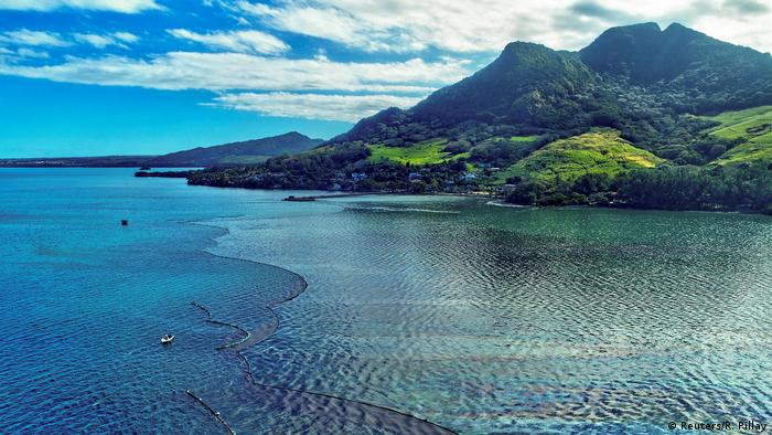 The oil spill in Mauritius
