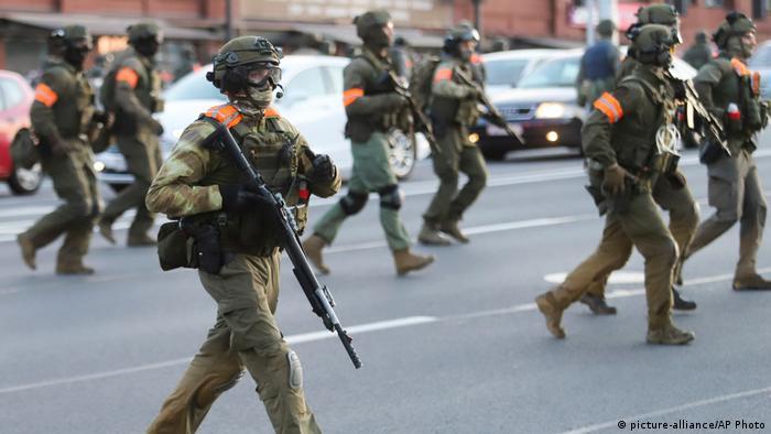 Силовики на вулицях Мінська, 11 серпня 2020 року