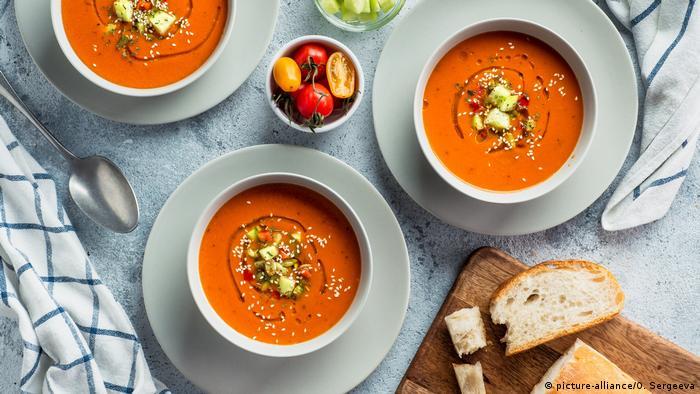 حساء الغازباتشو الإسباني