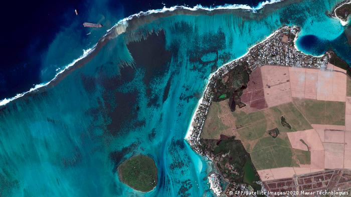 Oil spill in Mauritius from a satellite