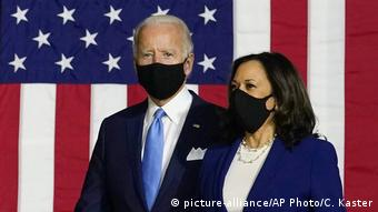 USA Wahlen Joe Biden und Kamala Harris (picture-alliance/AP Photo/C. Kaster)