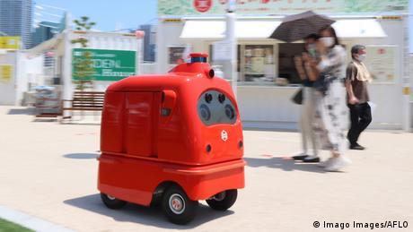 BdTD Japan Lieferroboter (Imago Images/AFLO)