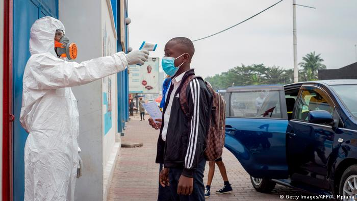 Demokratische Republik Kongo | Coronavirus | Schulstart (Getty Images/AFP/A. Mpiana)
