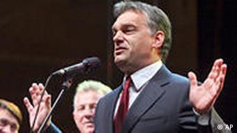 Rechtspopulist Viktor Orban gewinnt die Wahl im April und krempelt das Land um Foto: picture-alliance/dpa)