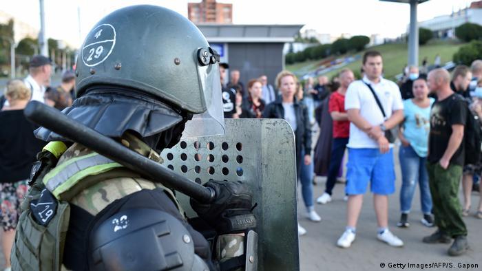 Силовики на протестах в Минске 11 августа