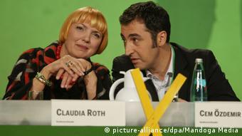 Yeşiller parti milletvekilleri Claudia Roth ve Cem Özdemir