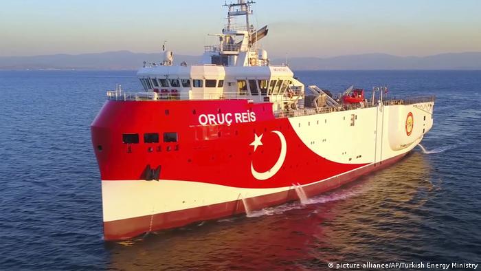 Türkisches Forschungsschiff Oruc Reis zur Gaserkundung im Mittelmeer (picture-alliance/AP/Turkish Energy Ministry)
