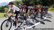 ROT // v.l.n.r. Im Weissen Trikot Egan Bernal (Kolumbien / Team Ineos) - Pavel Sivakov (Russland / Team Ineos) und Jonathan Castroviejo (Spanien / Team Ineos) - Criterium du Dauphine 2020 - 3. Etappe Corenc - Saint-Martin-de-Belleville -  
