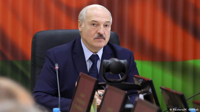Belarus Minsk Lukaschenko Ministersitzung (Reuters/M. Guchek)