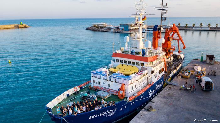 Spanien Seenotrettungsschiff Sea-Watch 4 in Burriana (epd/T. Lohnes)