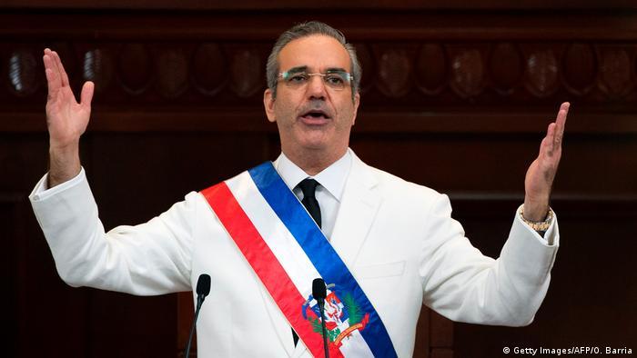 Luis Abinader tomó posesión como nuevo presidente de la República  Dominicana | Destacados | DW | 16.08.2020