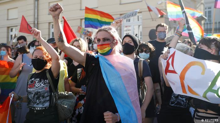 Polish nationalists gather to protest against what they call LGBT aggression, in Warsaw Gegendemonstranten
