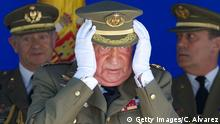 SEGOVIA, SPAIN - MAY 16: King Juan Carlos of Spain (C) attends the 250 memorial anniversary of the opening of The Royal College of Artillery at the Alcazar de Segovia on May 16, 2014 in Segovia, Spain. (Photo by Carlos Alvarez/Getty Images)