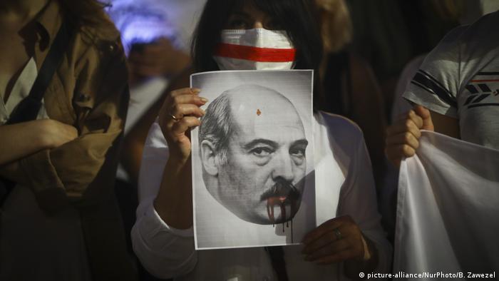 Polen Krakau Anti Lukaschenko Proteste (picture-alliance/NurPhoto/B. Zawezel)