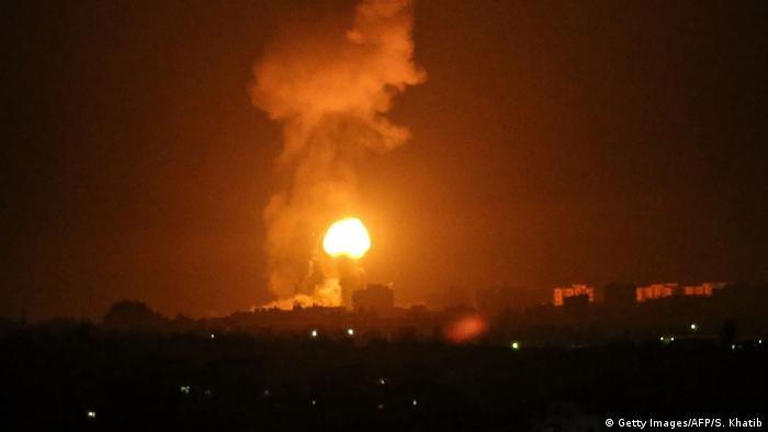 Бомбардировка сектора Газа (фото из архива)