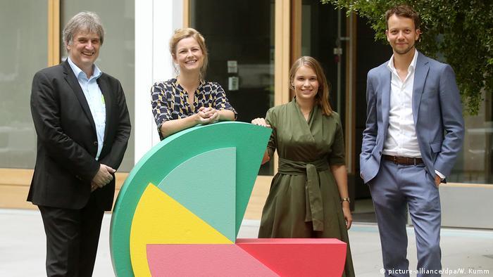 Berlin Pressekonferenz zu Langzeitstudie zum Grundeinkommen (picture-alliance/dpa/W. Kumm)