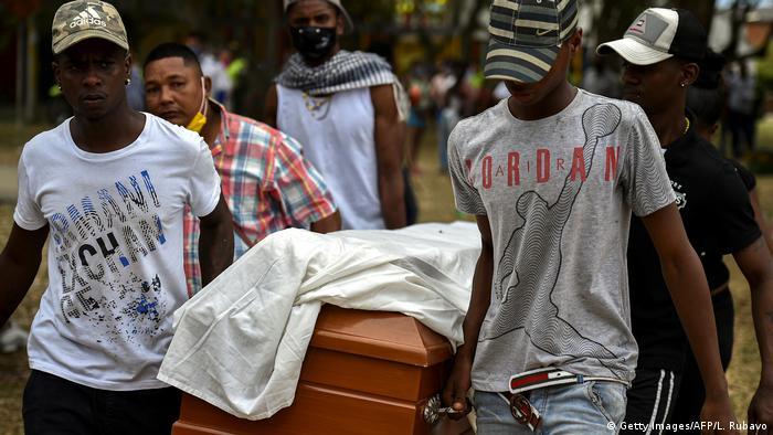 Kolumbien Cali Mord an 5 Teenagern Beerdigung