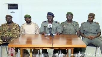 Les putschistes du CNSP au Mali, à gauche: Assimi Goita, au milieu Ismael Wagu