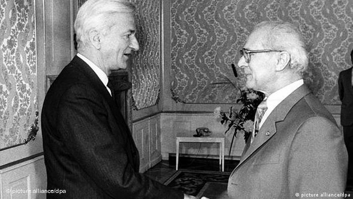 Flash-Galerie Richard von Weizsäcker wird 90 mit Erich Honecker 1983