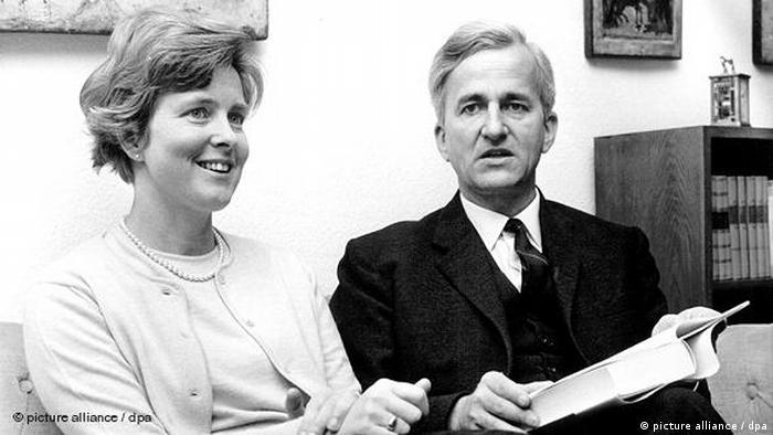 Flash-Galerie Richard von Weizsäcker wird 90 mit Ehefrau Marianne 1968