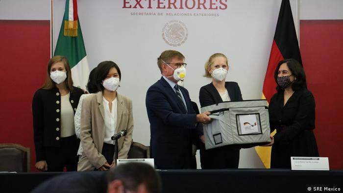 Inicio del viaje de la delegación de expertos en salud de Alemania y la Secretaría de Salud (México).