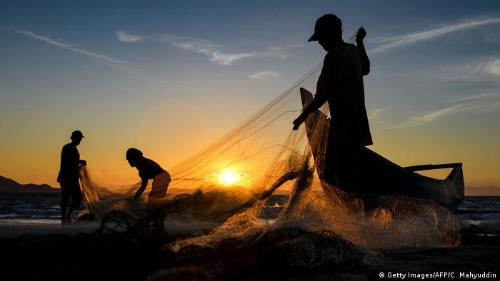 Fishers in Banda Aceh, Indonesia (Getty Images/AFP/C. Mahyuddin)
