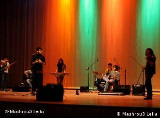 Mashrou3 Leila auf der Bühne im Libanon (Foto: Mashrou3 Leila )