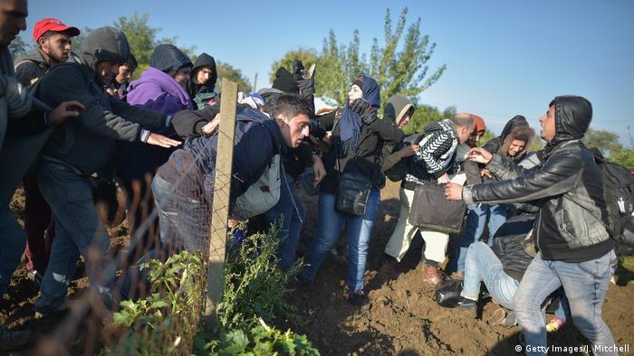 Flüchtlinge Grenze Serbien Kroatien (Getty Images/J. Mitchell)