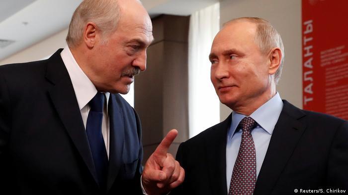 Russland Sotschi Alexander Lukaschenko und Waldimir Putin (Reuters/S. Chirikov)