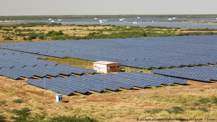 La central de energía solar más grande de Asia, el Parque Solar de Gujarat.