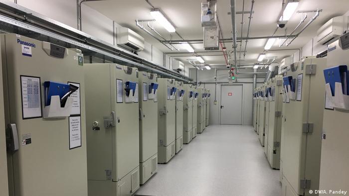 Одна з заморожувальних ферм компанії UPS, побудованих для транспортування нової вакцини від коронавірусу