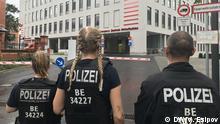 Berlin | Journalisten vor der Charite-Klinik