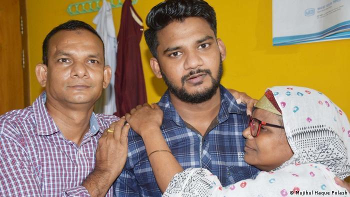 Rayhan Kabir im Kreis seiner Familie in Bagladesch (Mujibul Haque Polash)