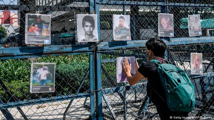 Homenaje en Ciudad de México a los 72 migrantes asesinados en la localidad de San Fernando, Tamaulipas, en agosto de 2010.