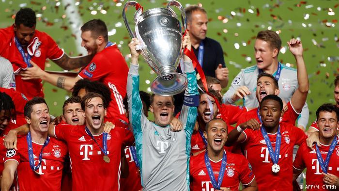 Bayern Munich celebrate winning the 2020 Champions League final
