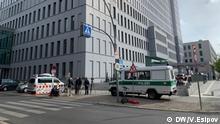 Deutschland Journalisten und Polizei an der Klinik Charité in Berlin