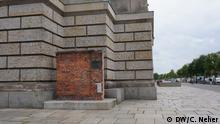 Deutschland Stück der Mauer der Danziger Werft neben den Reichstag in Berlin