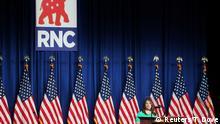 USA Die RNC-Vorsitzende Ronna Romney McDaniel spricht zu den Delegierten in Charlotte