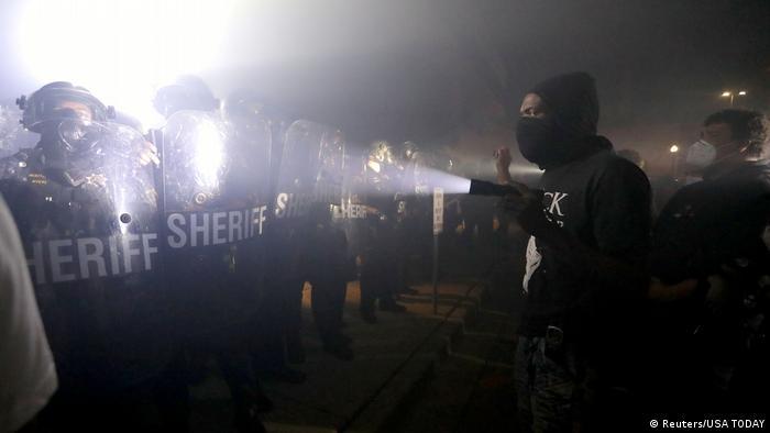 Сутички активістів BLM з поліцією