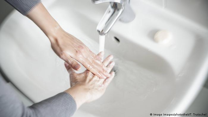 Mnogi pacijenti peru ruke po nekoliko sati dnevno