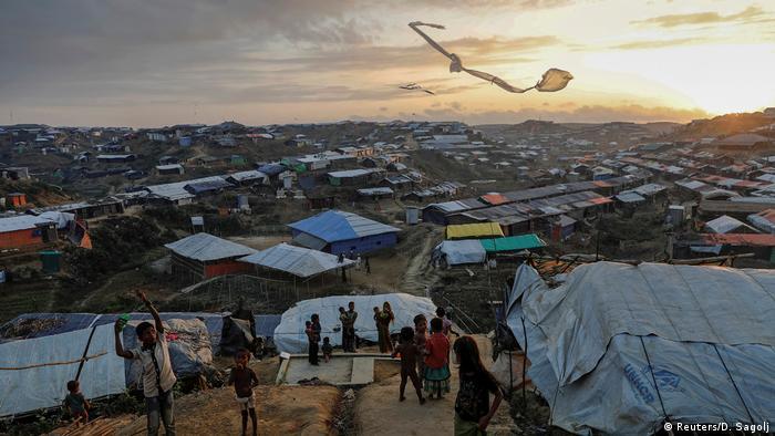 Blick auf das Kutupalong-Flüchtlingslager in der Nähe der Stadt Cox's Bazar in Bangladesch