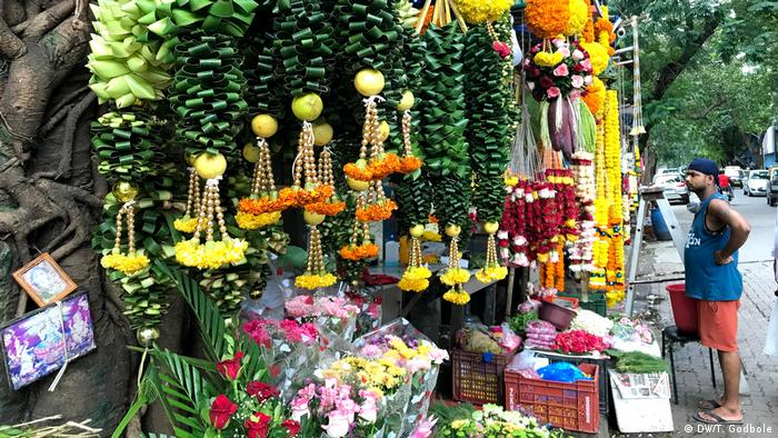 A shop selling flowers and garlands in Mumbai
